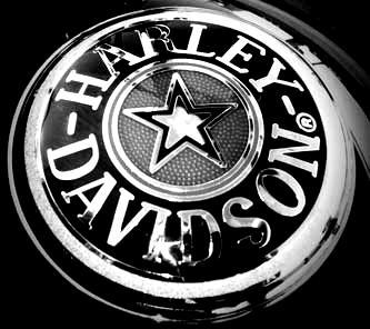 Harley-Versicherung-blackwhite