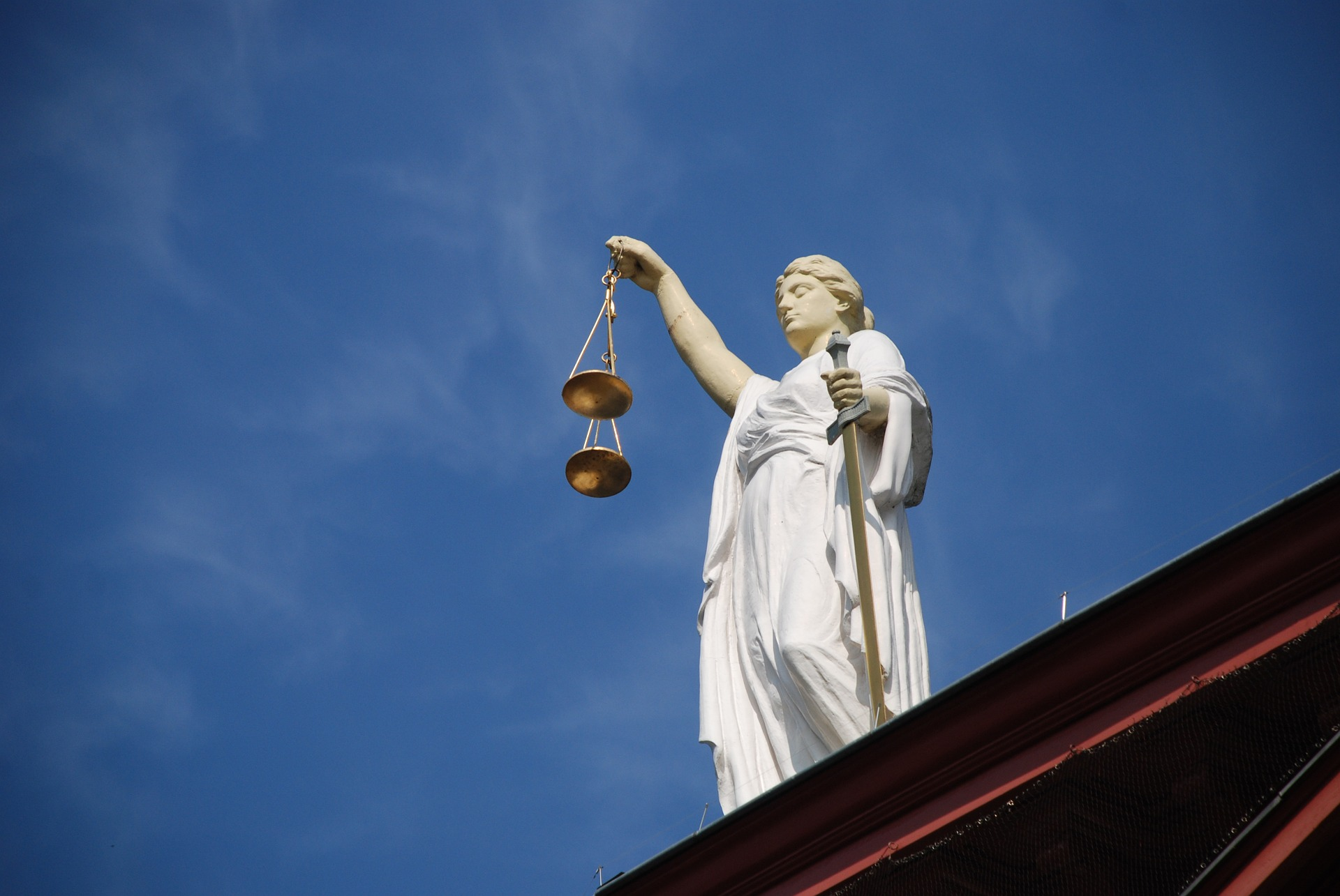Die Waage der Gerechtigkeit. Vekehrsrechtsschutz